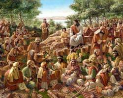 """XVII – DOMINGO DO TEMPO COMUM - """"Jesus tomou os pães, deu graças e distribuiu-os."""""""