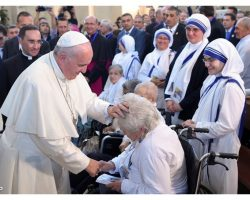 Por que o Papa visitar um país com apenas 570 católicos? Não seria perda de tempo?
